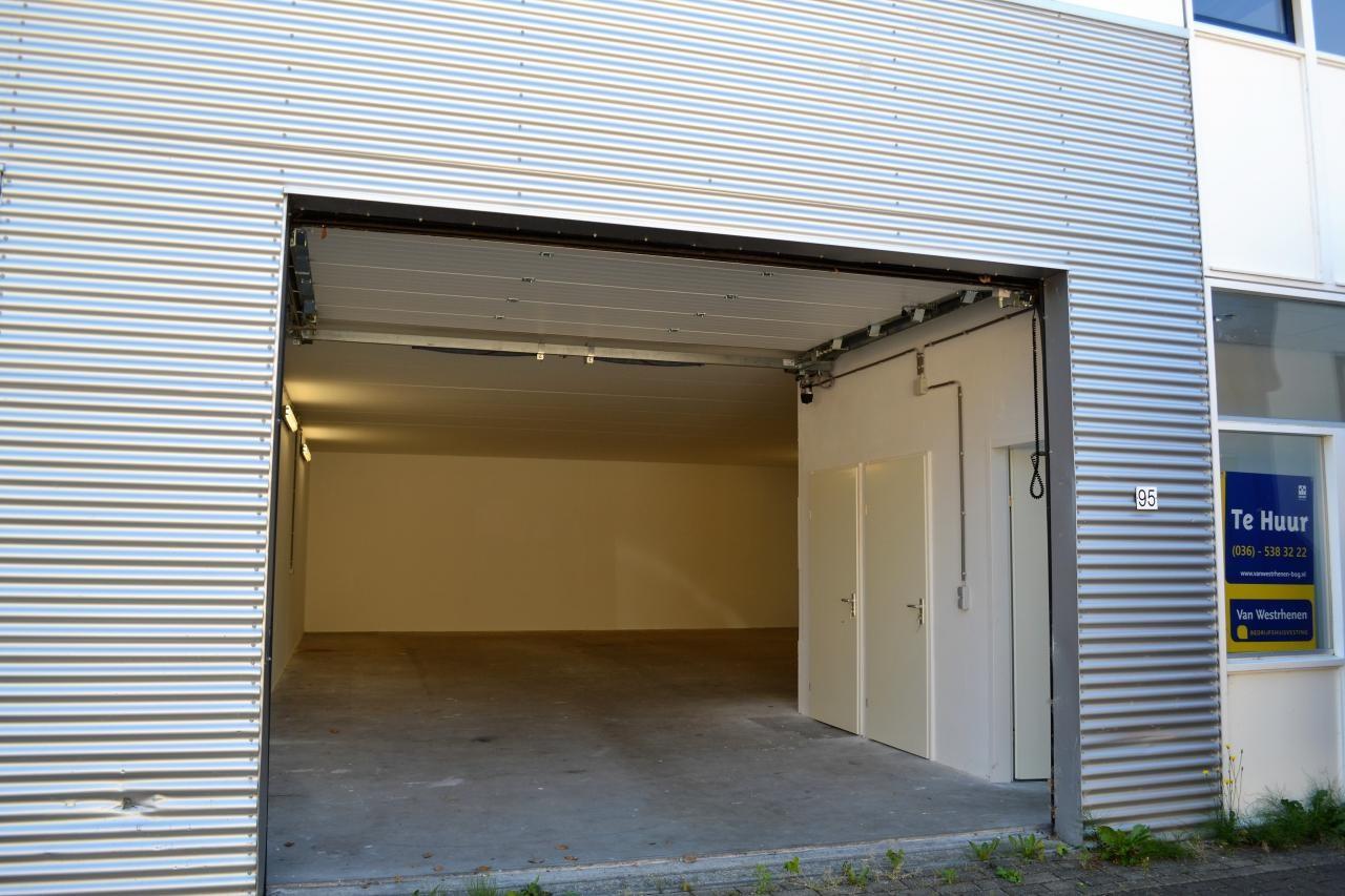 Garage Huren Almere : Zandzuigerstraat 93 almere bedrijfsruimte huren